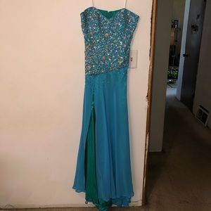Sky Blue/Green Prom Dress